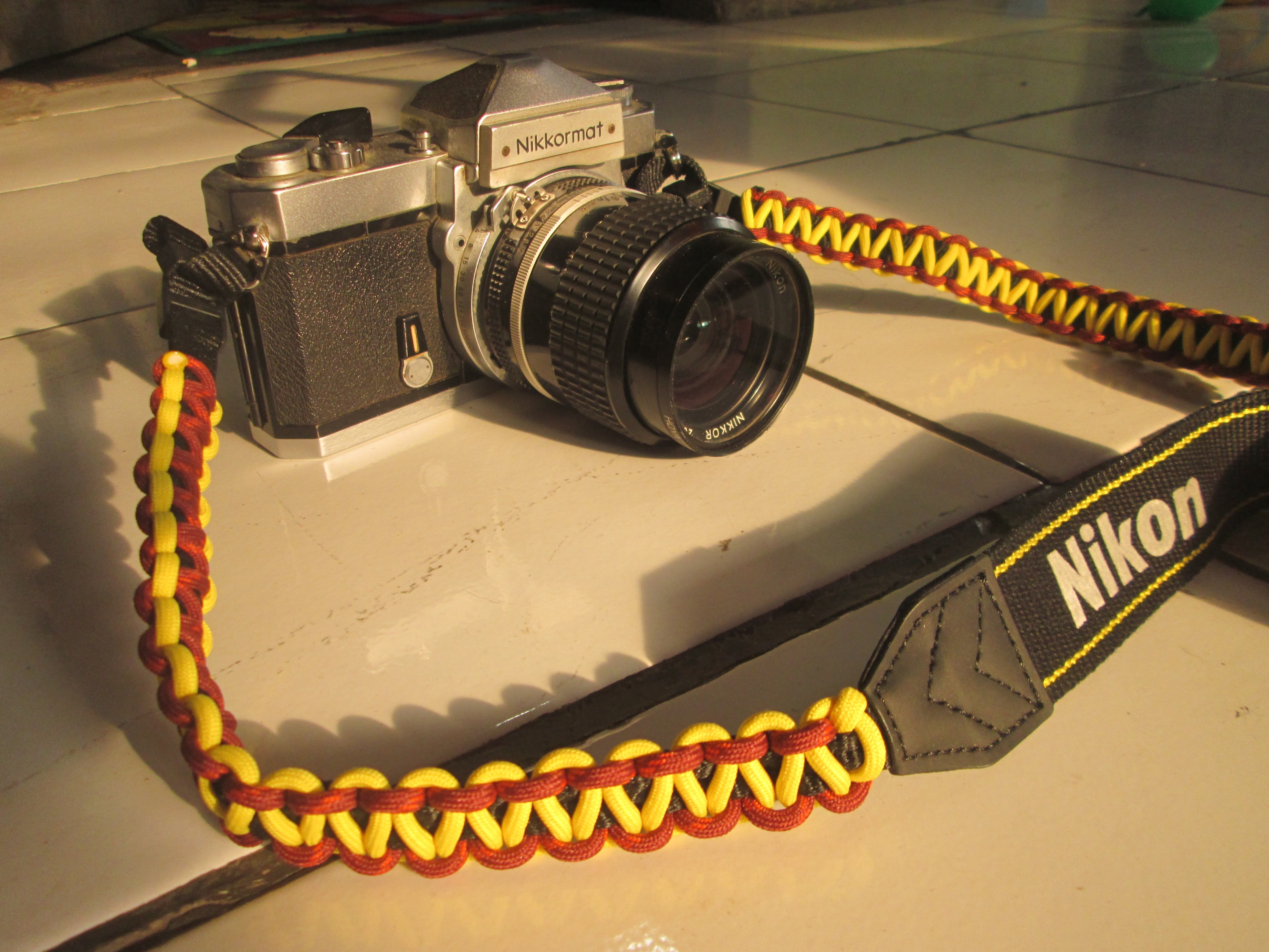 Camera Paracord Camera Strap wts paracord bracelet and camera strap living in httpgoo glzgrfa1 for bracelet