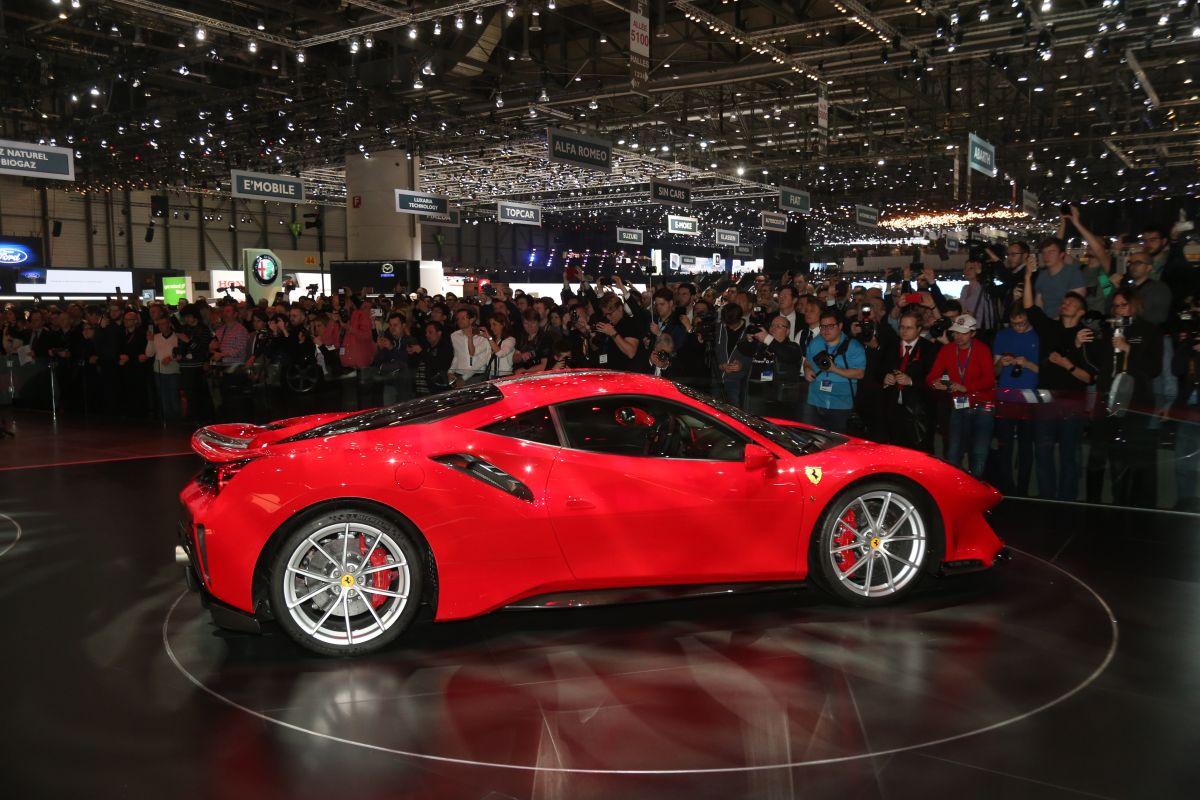 Geneva 2018 Ferrari 488 Pista W Video