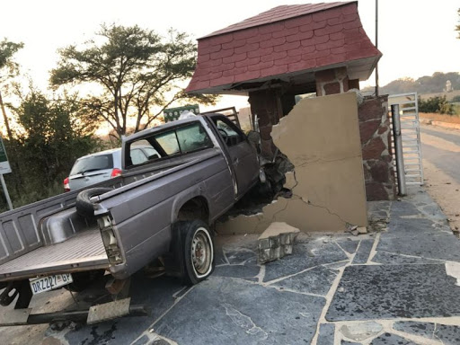 Open up: bakkie and car gate-crash Kruger National Park - literally