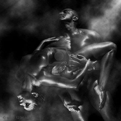 https://lh3.googleusercontent.com/-RbIiq_ASZW0/TX6DNIGsmPI/AAAAAAAAAP4/2R2ZJgb2zsc/s400/4790469-pareja-hombre-fuerte-en-las-manos-tiene-hermoso-desnudo-de-la-mujer.jpg