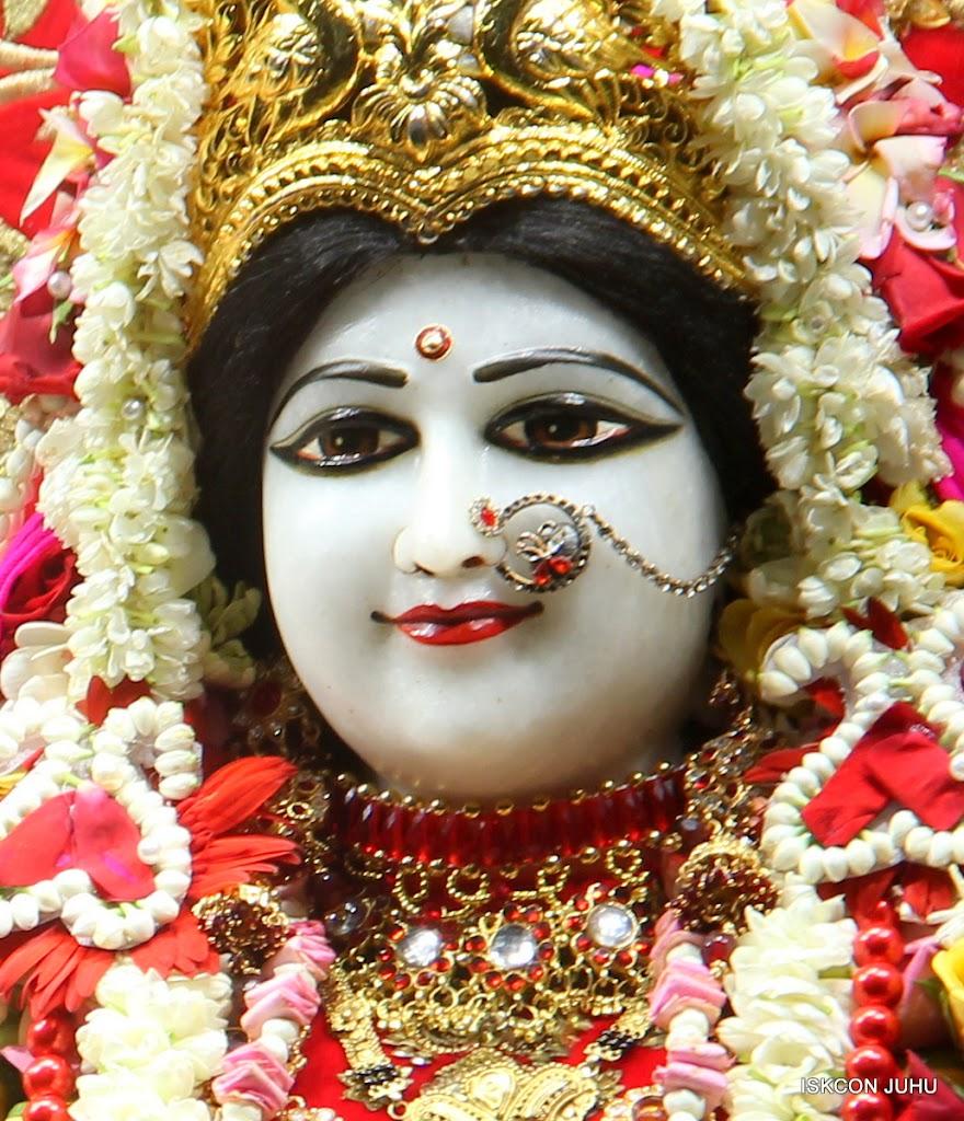 ISKCON Juhu Sringar Deity Darshan on 28th June 2016 (42)