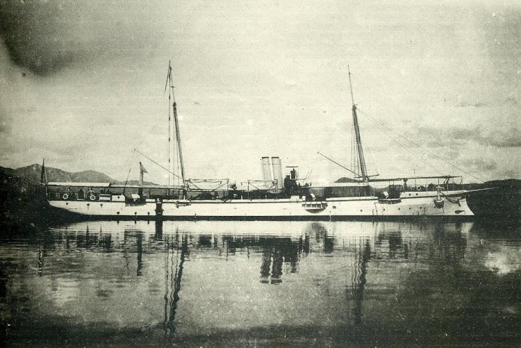 El cañonero torpedero GALICIA. Foto de Perez Argemi. Santiago de Cuba. De la revista El Mundo Naval Ilustrado. Año 1898.JPG