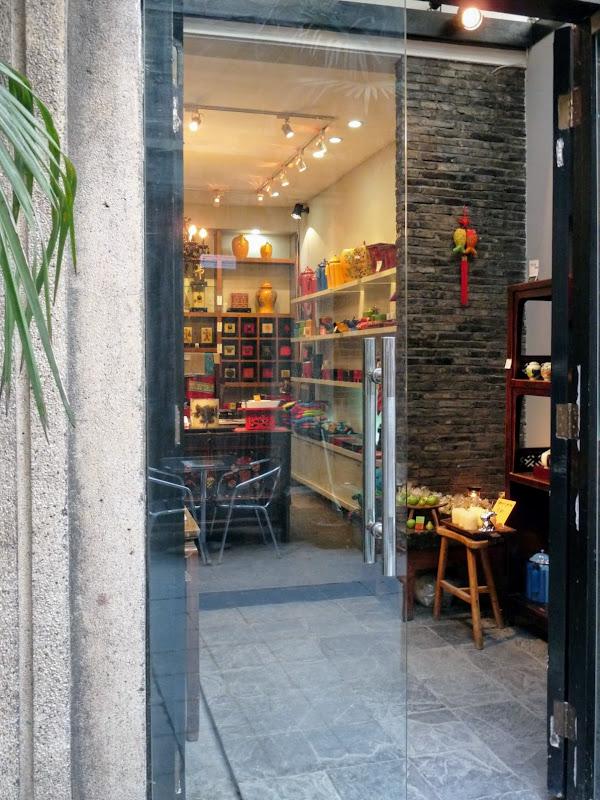 Shanghai,dans l'ex concession Française.Ruelles d'un mini quartier branché...