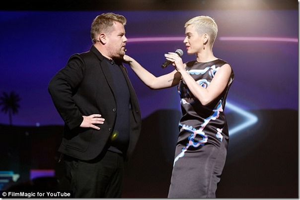 3FF5FAE800000578-4476090-First_She_was_introduced_to_the_stage_by_James_Corden_who_descri-a-93_1493969341282