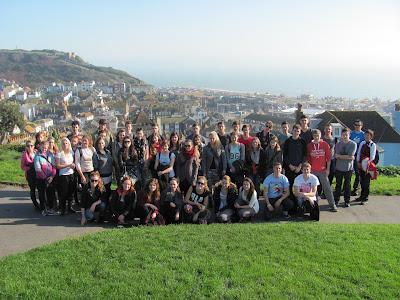 Účastníci zájezdu v Hastings