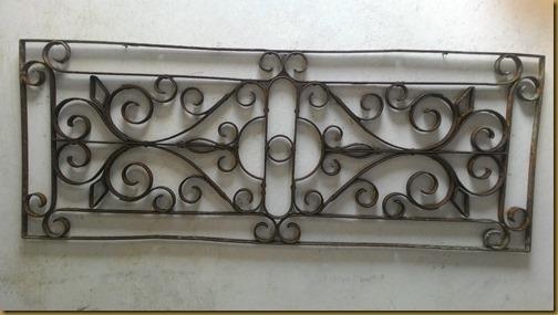 Angin angin kuno jadul besi tua motif bunga bunga