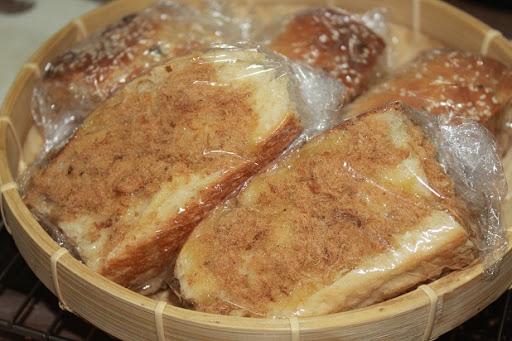Bánh Mì Chà Bông Sốt Mayonnaise
