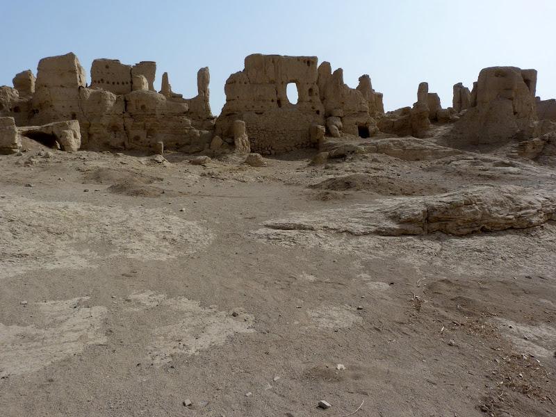 XINJIANG.  Turpan. Ancient city of Jiaohe, Flaming Mountains, Karez, Bezelik Thousand Budda caves - P1270818.JPG