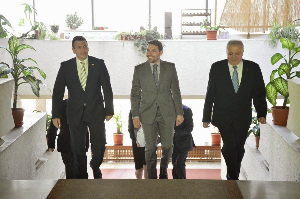FOTO Principele Nicolae, întâlnire cu preşedintele Consiliului Judeţean Satu Mare şi prefectul judeţului Satu Mare