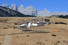 Yak Meadow : monastère