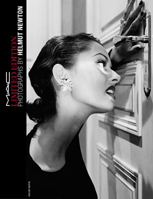 HELMUT NEWTON_BEAUTY_RGB_300