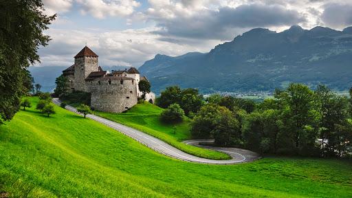 Vaduz Castle, Liechtenstein.jpg