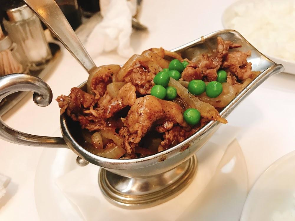 グリルエフのハヤシライスはソース少なめでお肉たっぷり