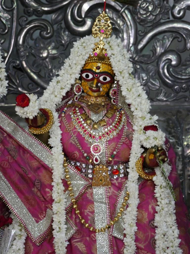 Radha Govind Devji Deity Darshan 14 June  2016 (7)