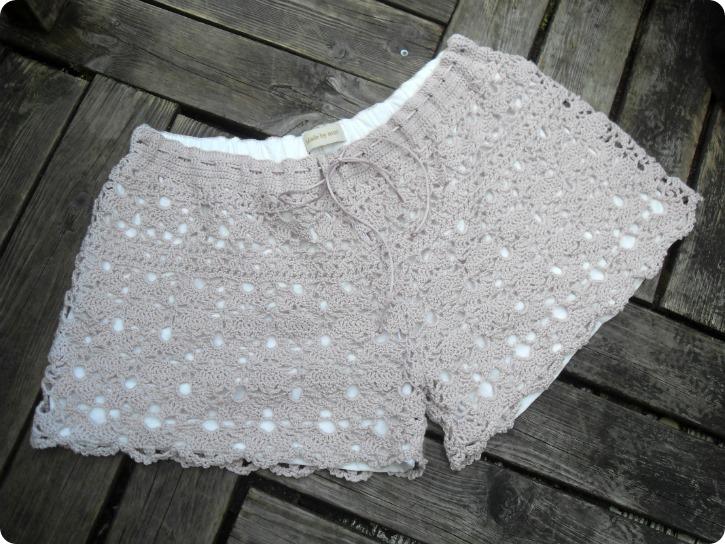 Blostrede shorts til Emilie