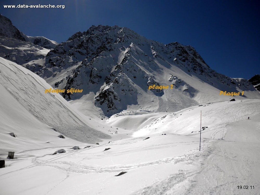 Avalanche Valais, secteur Pigne d'Arolla, Le long du Lac des dix - Photo 1