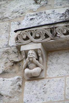 (Fr) Fontaine d'Ozillac (photo Kristobalite)
