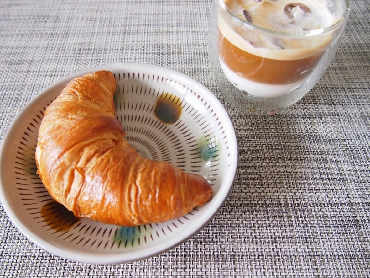 朝パンとホットヨガを習い始めました