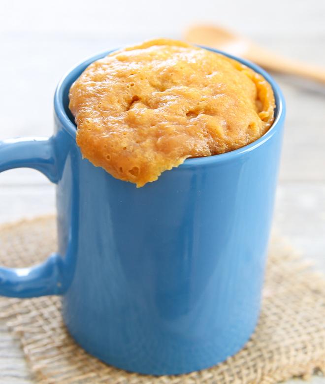 3 ingredient flourless peanut butter mug cake