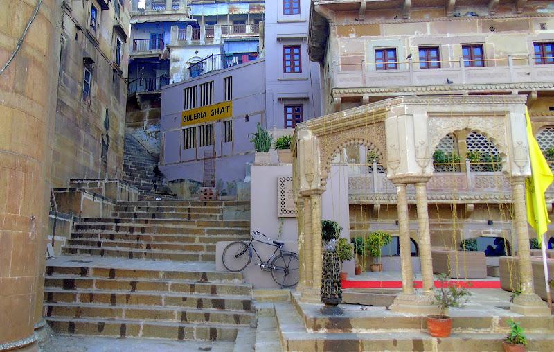 #Varanasighats #Uttarpradeshtourism #travelblog