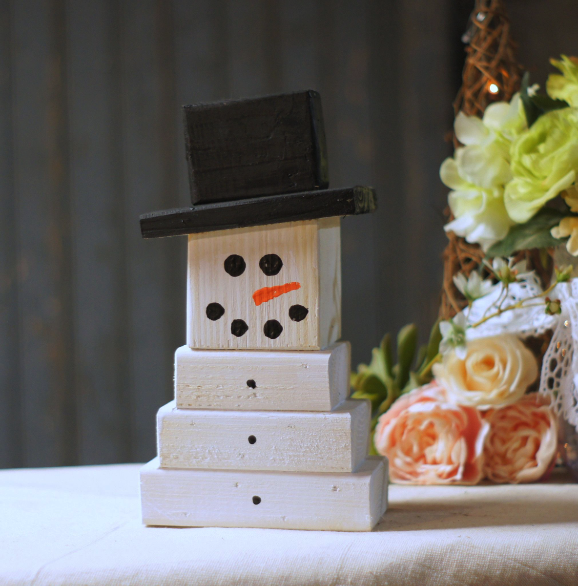 primative wood block snowman