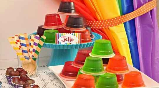 Gelatinas de colores para fiestas infantiles