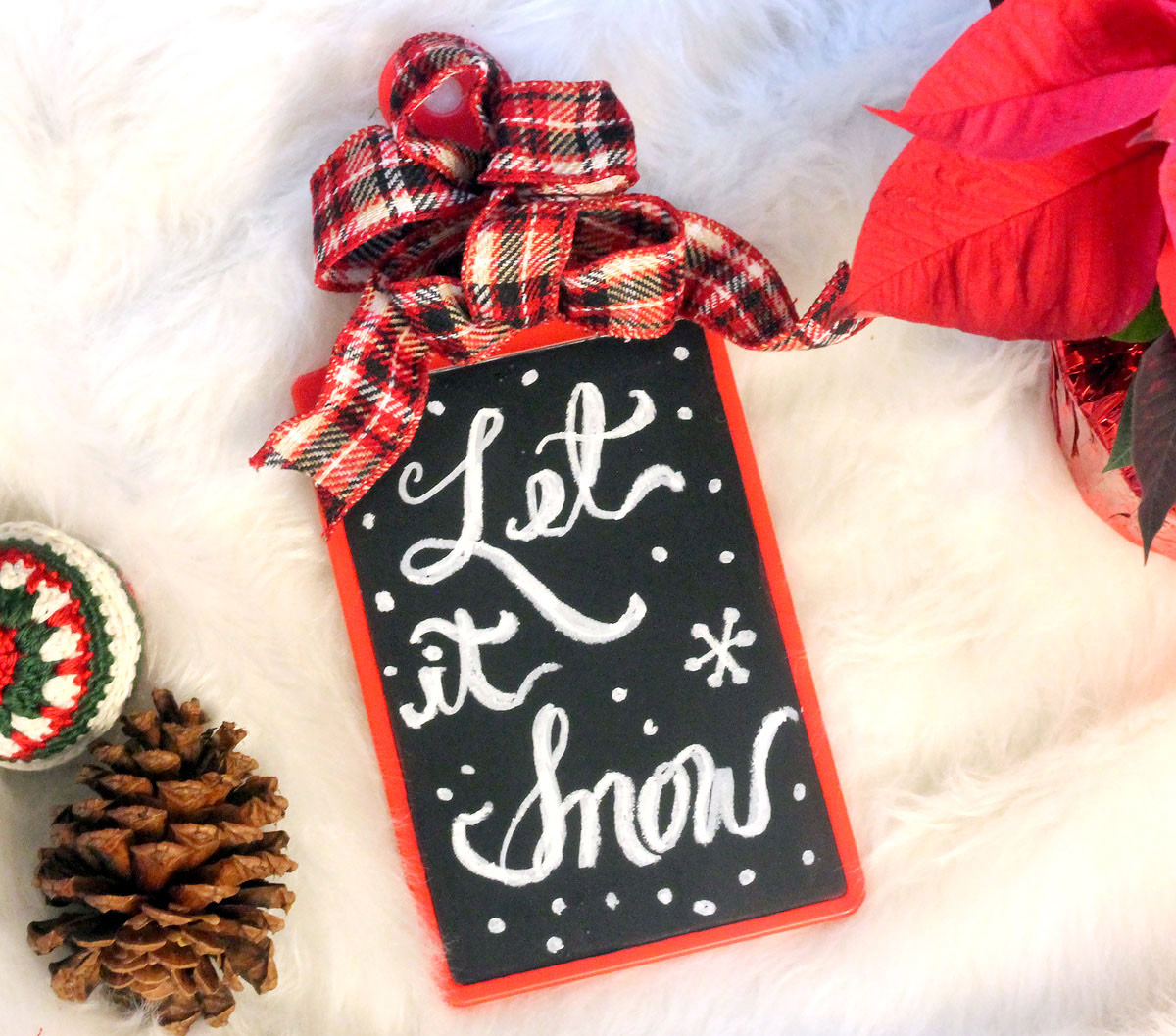 Christmas chalkboard from cutting board