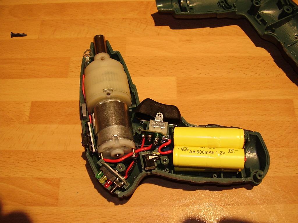 Inventos modificaci n a un destornillador el ctrico for Tamanos de pilas