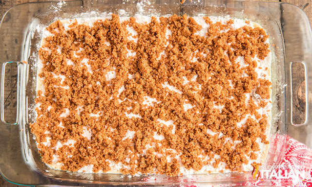 cinnamon topping on cake mix