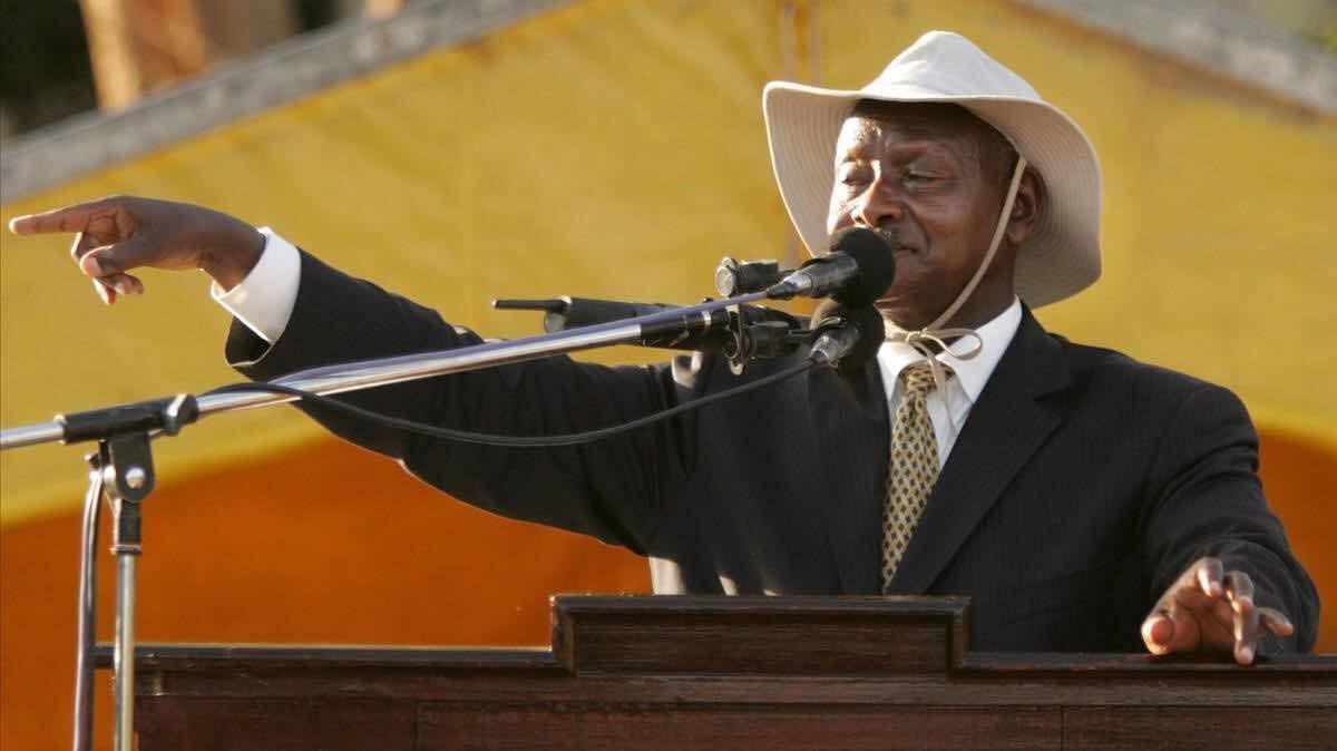 """Presidente de Uganda: """"prohibiré el sexo oral, la boca solo es para comer"""""""