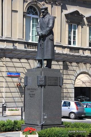 Pomnik Józefa Piłsudskiego, Warszawa, plac Piłsudskiego.