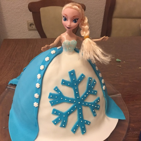 Torte für Eisköniginnen-Geburtstag
