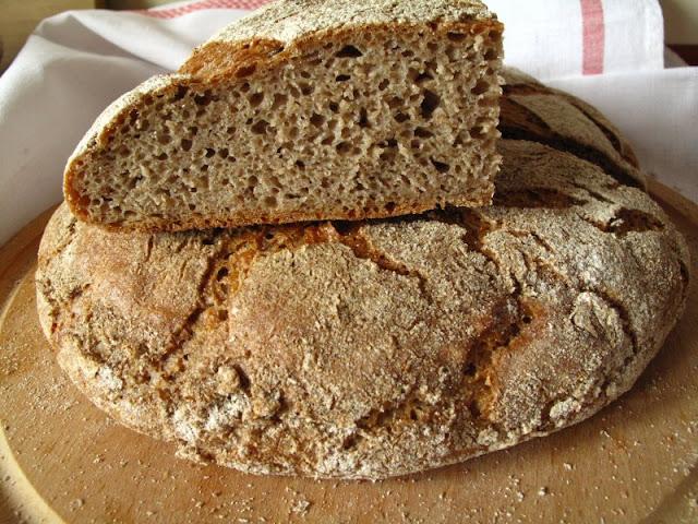 Chleb żytnio-razowy na zakwasie