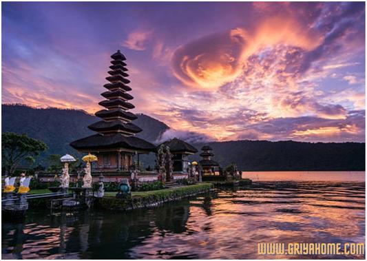 Desain Rumah  Klasik Bali Tampil Unik