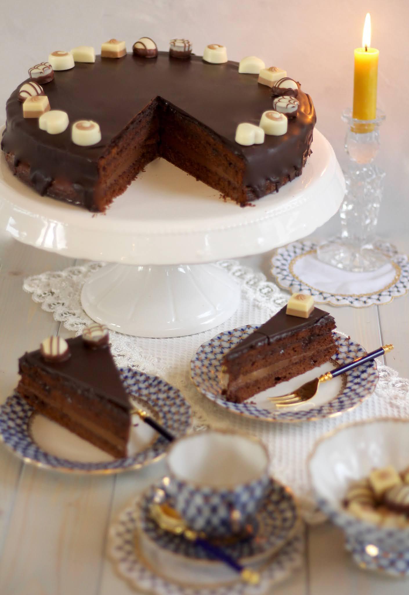 Saftige Schoko-Nougat-Torte /Wiener Kaffeehaus-Torte | Rezept, Video und Gewinnspiel von Sugarprincess