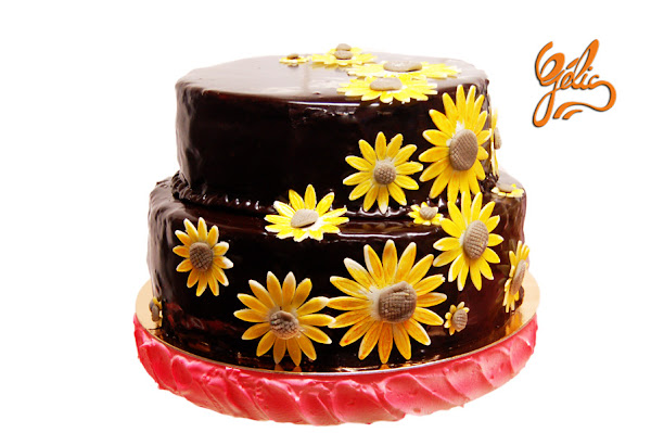 wedding-cake-noir-tournesols-ptte.jpg