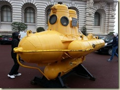 20160409_jacques cousteau yellow submarine (Small)