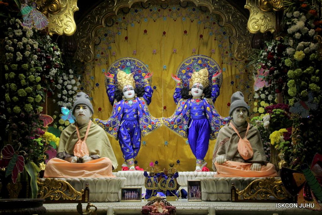 ISKCON Juhu Mangal Deity Darshan on 17th Jan 2017 (30)