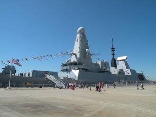 Портсмут. Современный военный корабль.