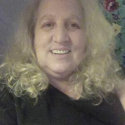 user Paula Naquin apkdeer profile image