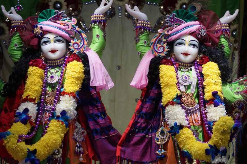 ISKCON Noida Deity Darshan 17 Dec 2015 (7)