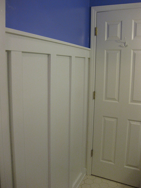 diy with ivy board and batten bathroom. Black Bedroom Furniture Sets. Home Design Ideas