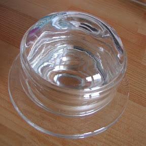 小さなガラスの器