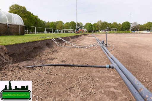 aanleg kunstgrasveld sss'18 08-05-2015 (14).jpg