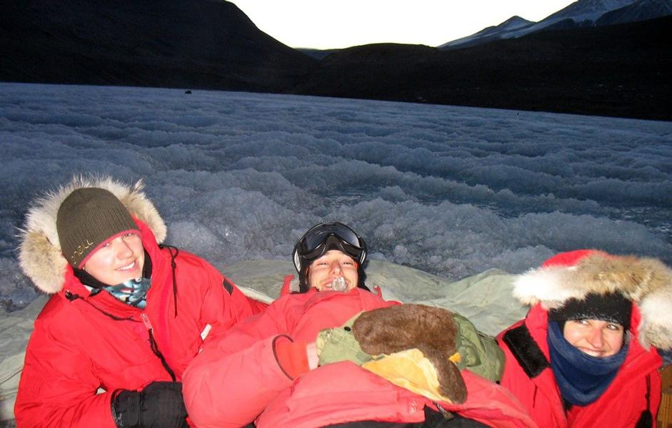Marie Sabacka, Eric Bottos, Karen Cozzetto at Lake Bonney.(photo by K. Cozzetto)