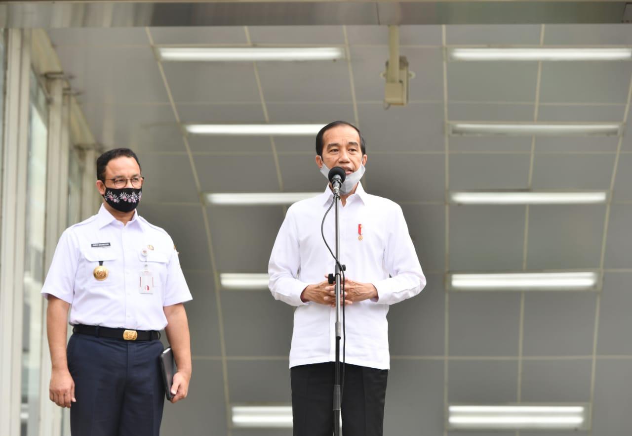 Presiden Pastikan TNI/Polri Berada di Titik Keramaian untuk Disiplinkan Masyarakat
