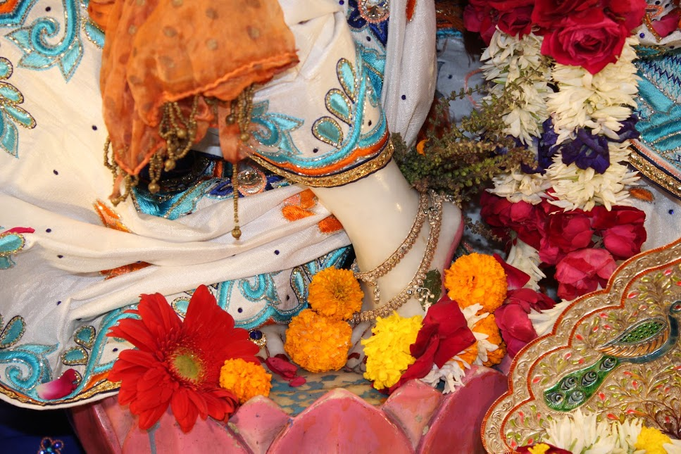 ISKCON Vallabh Vidyanagar 01 Jan 2016 (10)
