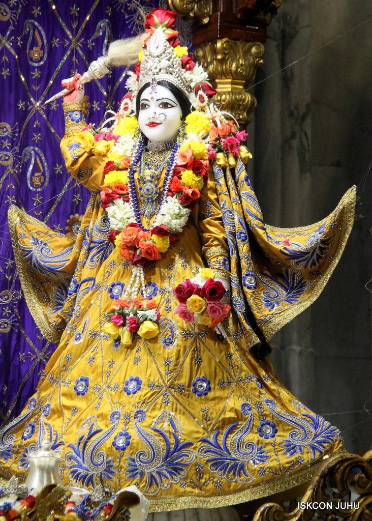 ISKCON Juhu Sringar Deity Darshan on 7th Sep 2016 (68)