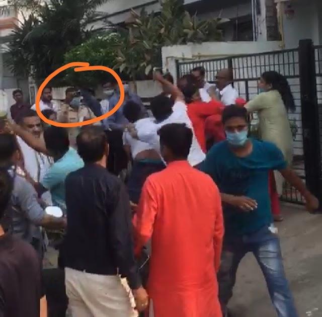 """""""गुंडे पीटेंगे तो कानपुर पुलिस वीडियों बनायेगी"""""""