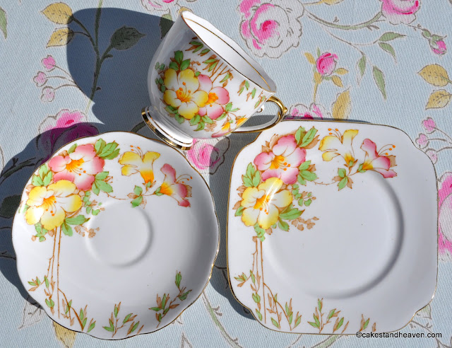 Reid & Co. 1937 vintage china teacup trio